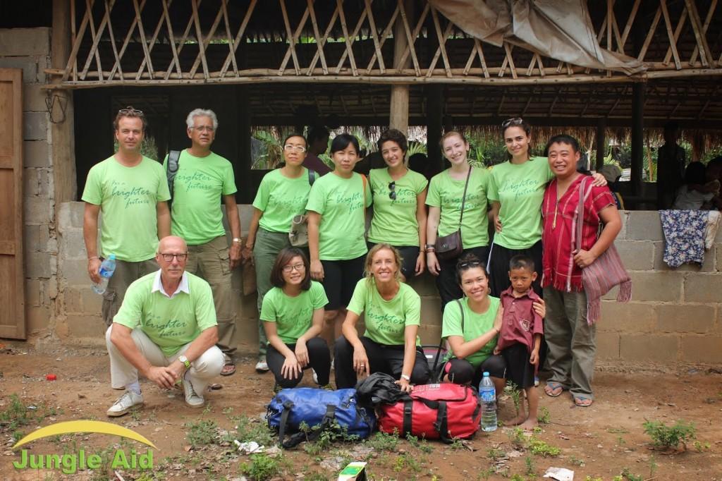 Jungle aid volunteers